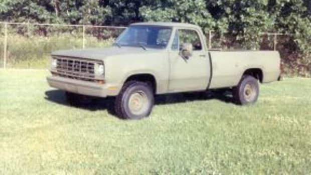M880 4x4 commercial truck_3.jpg