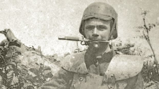 "As the Great War bogged down into a trench slug- fest, armies of both sides produced and carried a vast array of close-combat weapons including small, versatile weapons that the combatants would come to call, ""trench knives."" This Belgian soldier wearing body armor and a Farina-style helmet, carries a modified Mauser bayonet in his teeth. John Adams-Graf collection"