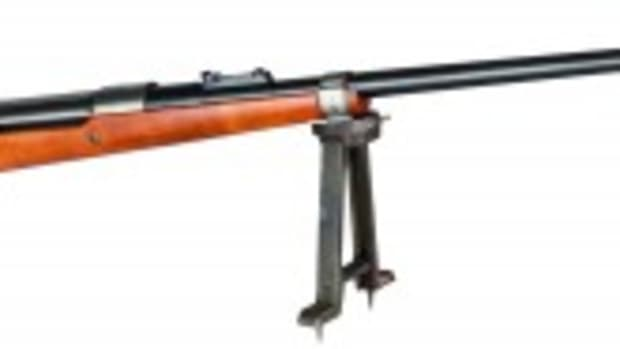 "Original Fallschirmjägergewehr 42, 1st model (FG 42/1), code ""fzs deactivated. Starting bid: 6500 Euros"