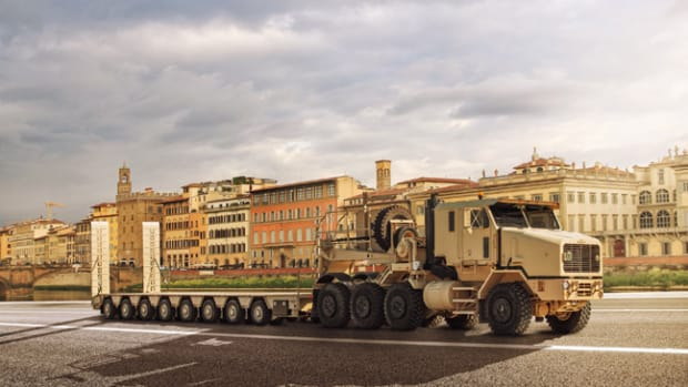 PHOTO - OSHKOSH DEFENSE