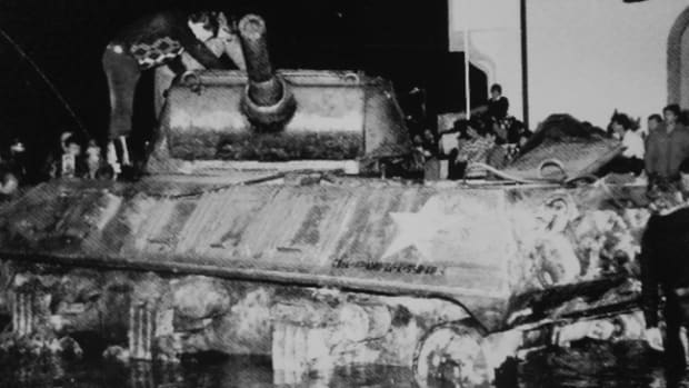 Austrian authorities pulled an M36 from the Wolfgangsee in November 1979. Could it have been one of the tanks of the 121st Cavalry Reconnaissance Squadron, the unit in which the author's father had served and which had occupied the area during WWII?