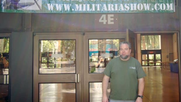 Bob Chatt of Vintage Productions and show organizer greets all to the West Coast Historical Militaria Collectors Show.