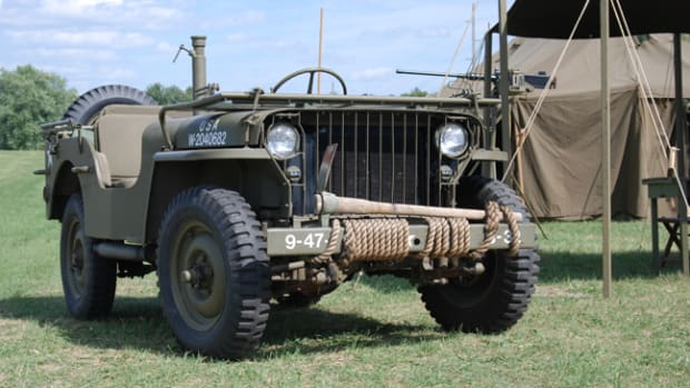 "The first 25,808 Willys MBs had what is now known as a ""slat grille."""