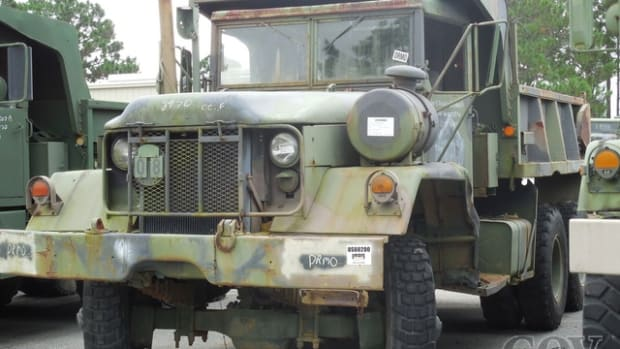 Kaiser/Jeep XM817 6x6 Off-Road End Dump Truck (#530615). Starting Bid: $1,200.