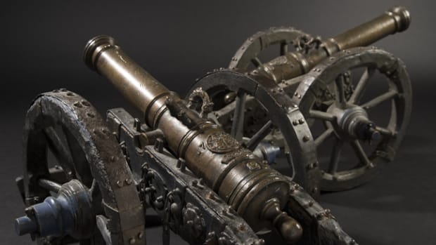 A pair of small German cannons from a noble family, dated 1707. SP: 18000 Euros
