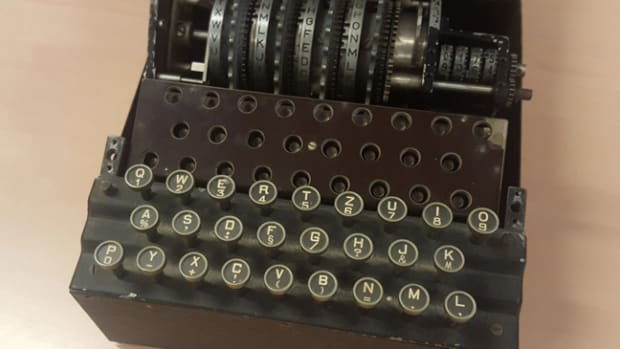 The Enigma Machine - Photo - The War Museum Overloon