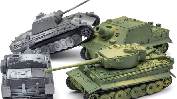 "The 4-D models were sold in a ""4-pack:"" Panther, Sturmgeschuetz, Tiger, and Brumbaer."