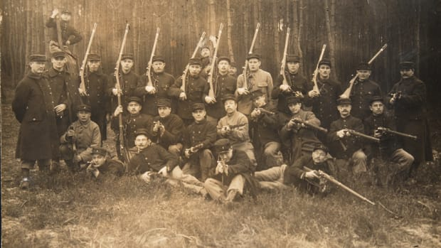 Belgian group shot Yser kepis and Gras rifles