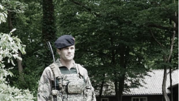 "Major Van Veen, of the Royal Netherlands Army Defence Centre of Expertise for Soldier and Equipment, explained: ""Modern soldiers have access to incredible, hi-tech navigation systems, but these all require soldiers to keep checking their screens constantly. This makes an already dangerous job even more dangerous because it reduces situational awareness."""