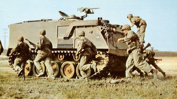Belgian troops disembarking from an M75