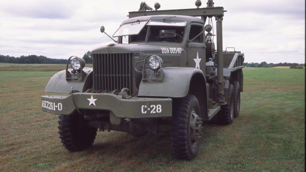 Diamond T 4-ton 969 wrecker