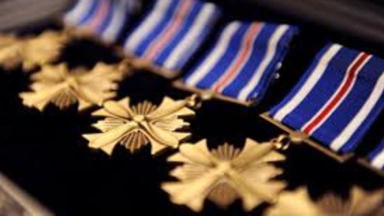 19th Air Force Commander bestows medals for Heroism