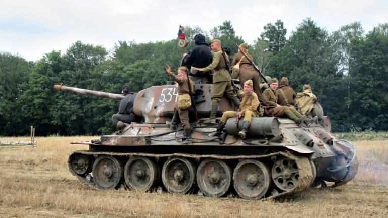 Military Vehicles Spotlight: Soviet T-34/85 Tank