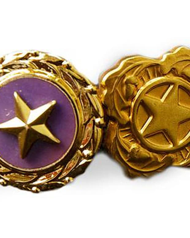 Gold Star Pin