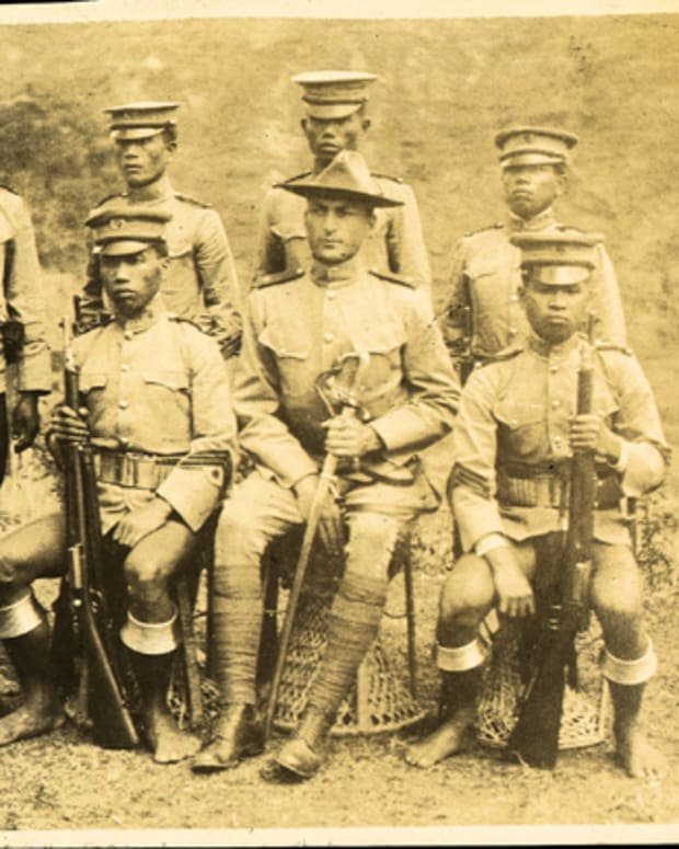 In 1906, Henry T. Allen, the Chief of the Philippine Constabulary, requested a rifle suitable for the short statue of his Constabulary troops. The first order was for 300 1899 Krag Carbines. These, along with about 4,600 more, were altered by shortening and refitting to accept bayonets.