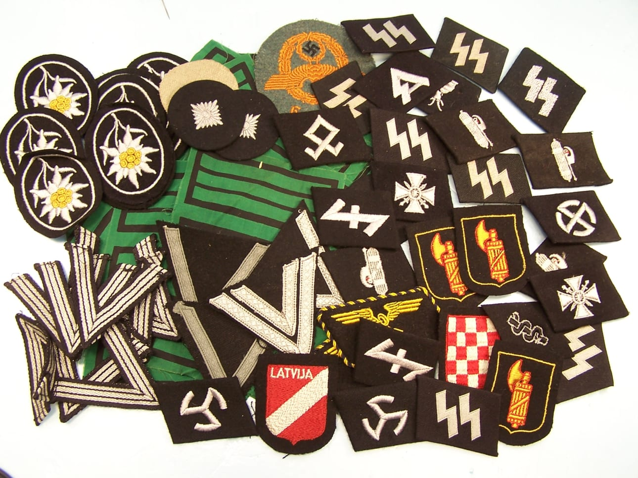 Patches / Insignia