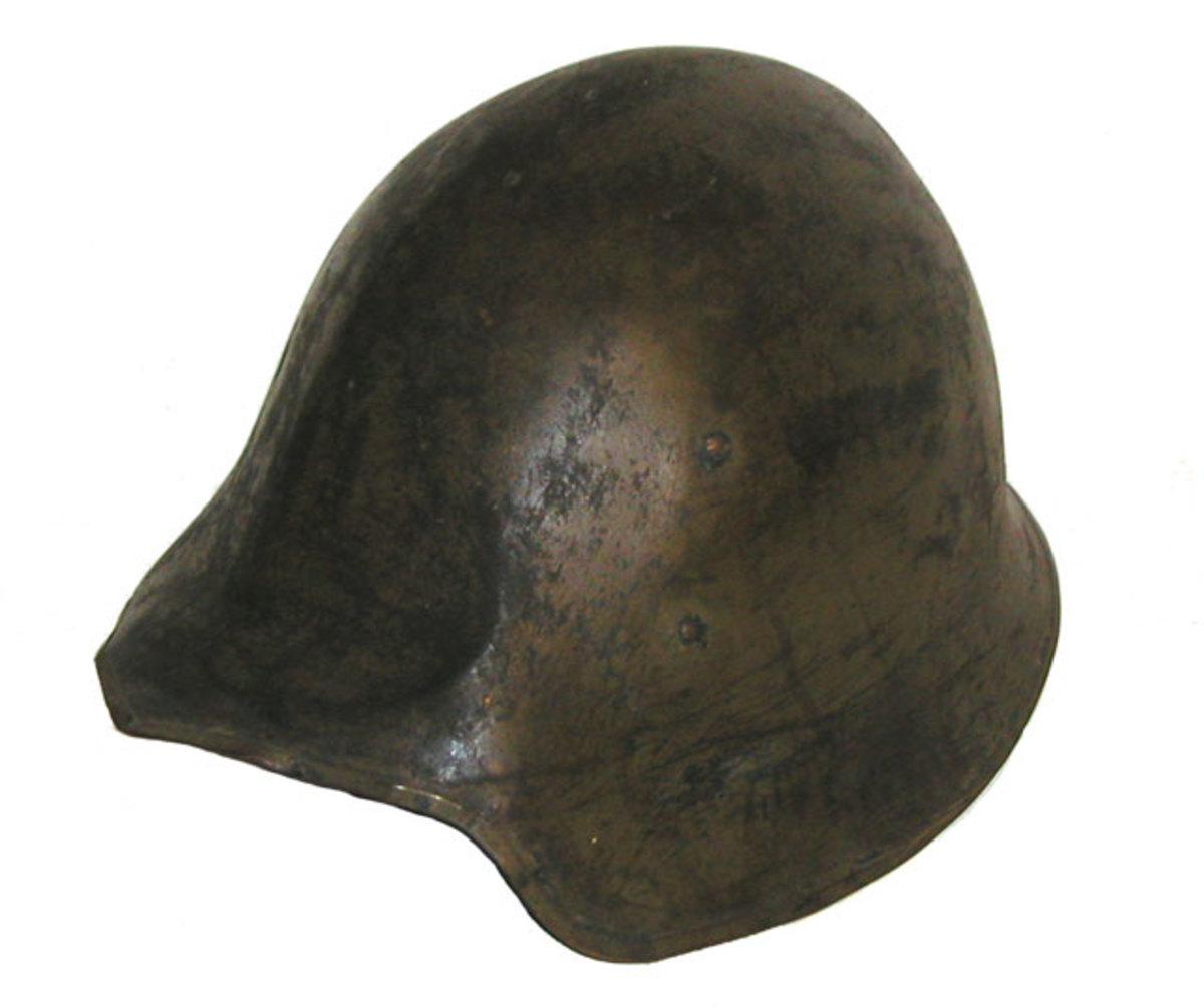 Based on the helmets of 15th century Greece and Italy, the Model 2 saw limited field-testing during the First World War, but it was deemed to be too similar to the German Model 1916 helmet. (Author's collection)