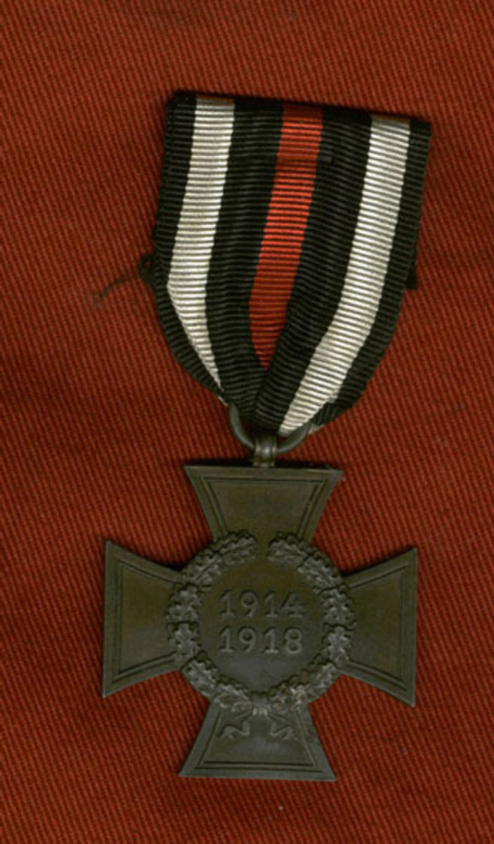 Non-combatant version of the Cross of Honor without the swords.www.treasurebunker.com