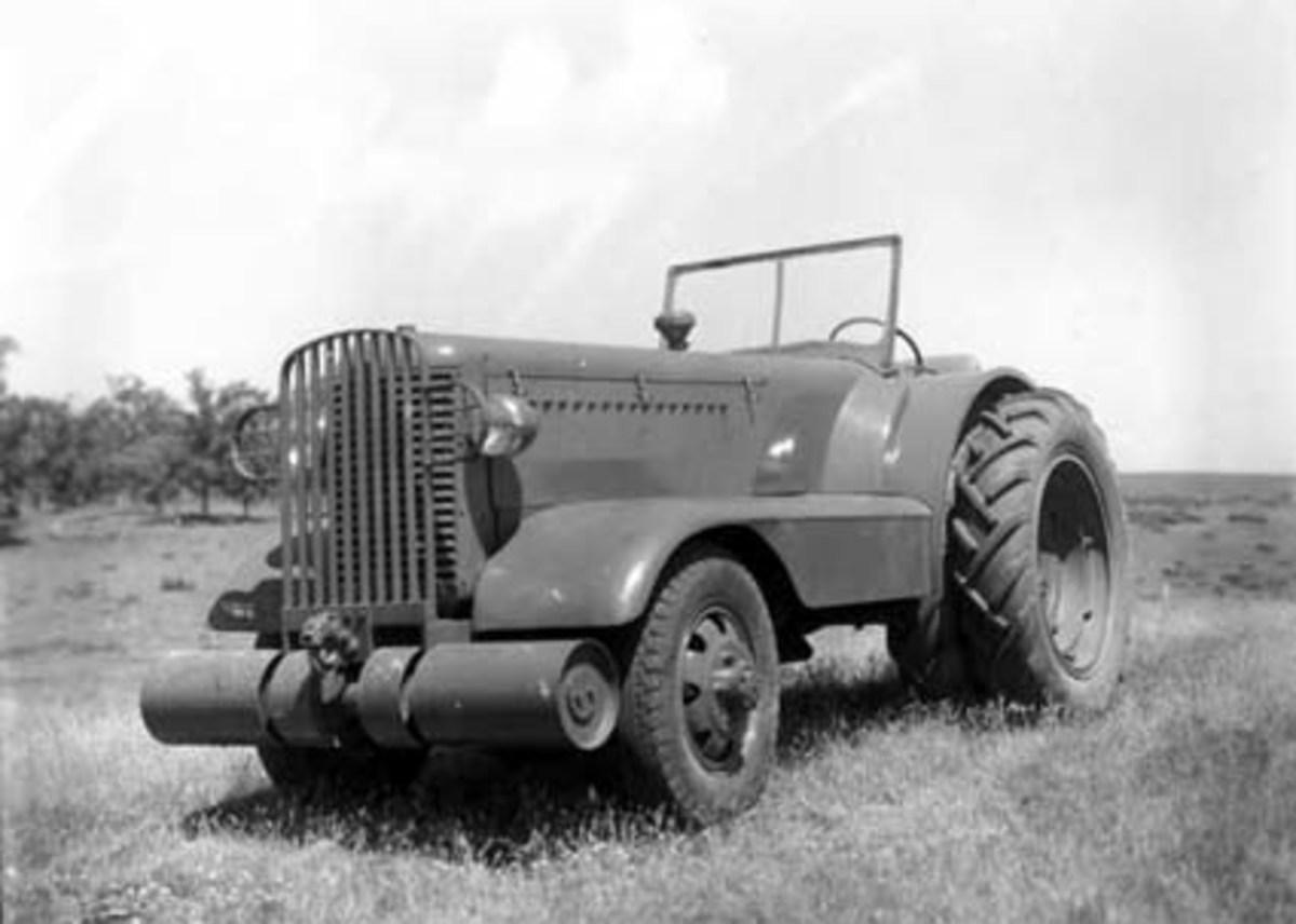 minneapolis-moline military tractor