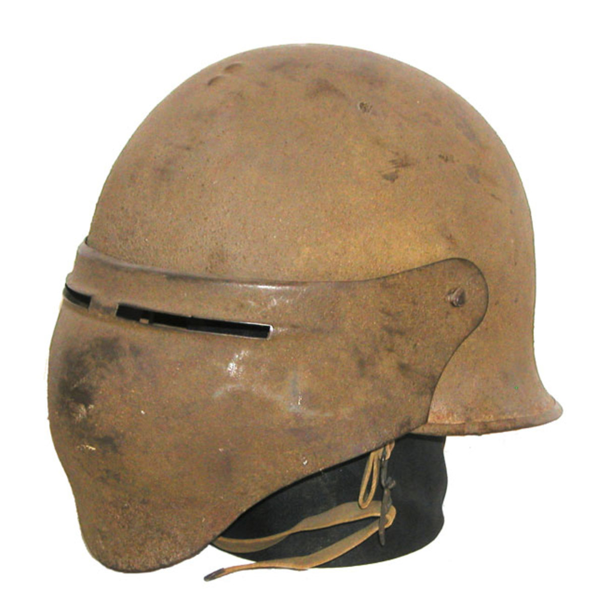 The most striking of the American experimental helmets to be produced in large numbers, the Model 8 featured a visor that offered almost complete protection to the wear's face. About 1,300 of these helmets were produced, though none received combat field-testing during WWI. (Author's collection)