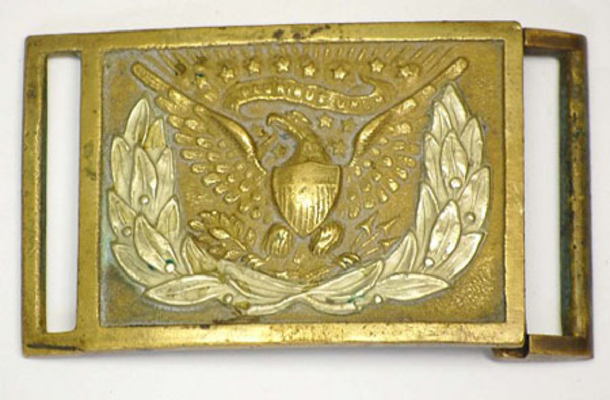 Civil War-era Union (U.S.) enlisted man's Model 1863 sword belt plate with applied wreath.