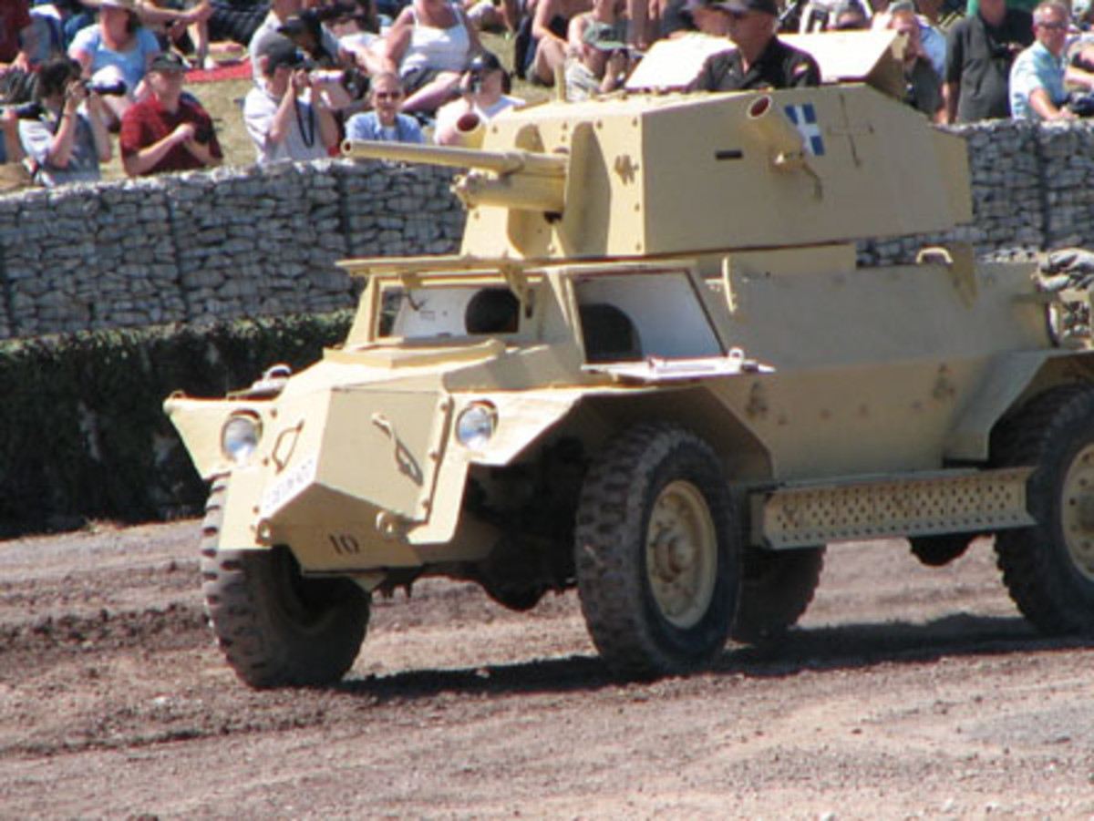 The Mk IV MH carried sand channels or chutes which could be used to recover the vehicle if it became bogged down in sand. It was important to keep the vehicle mobile otherwise it could have become and easy target. Ground clearance was essential to avoid obstacles and help reduce the effect of a blast. The tires were of the run-flat type intended for desert use.