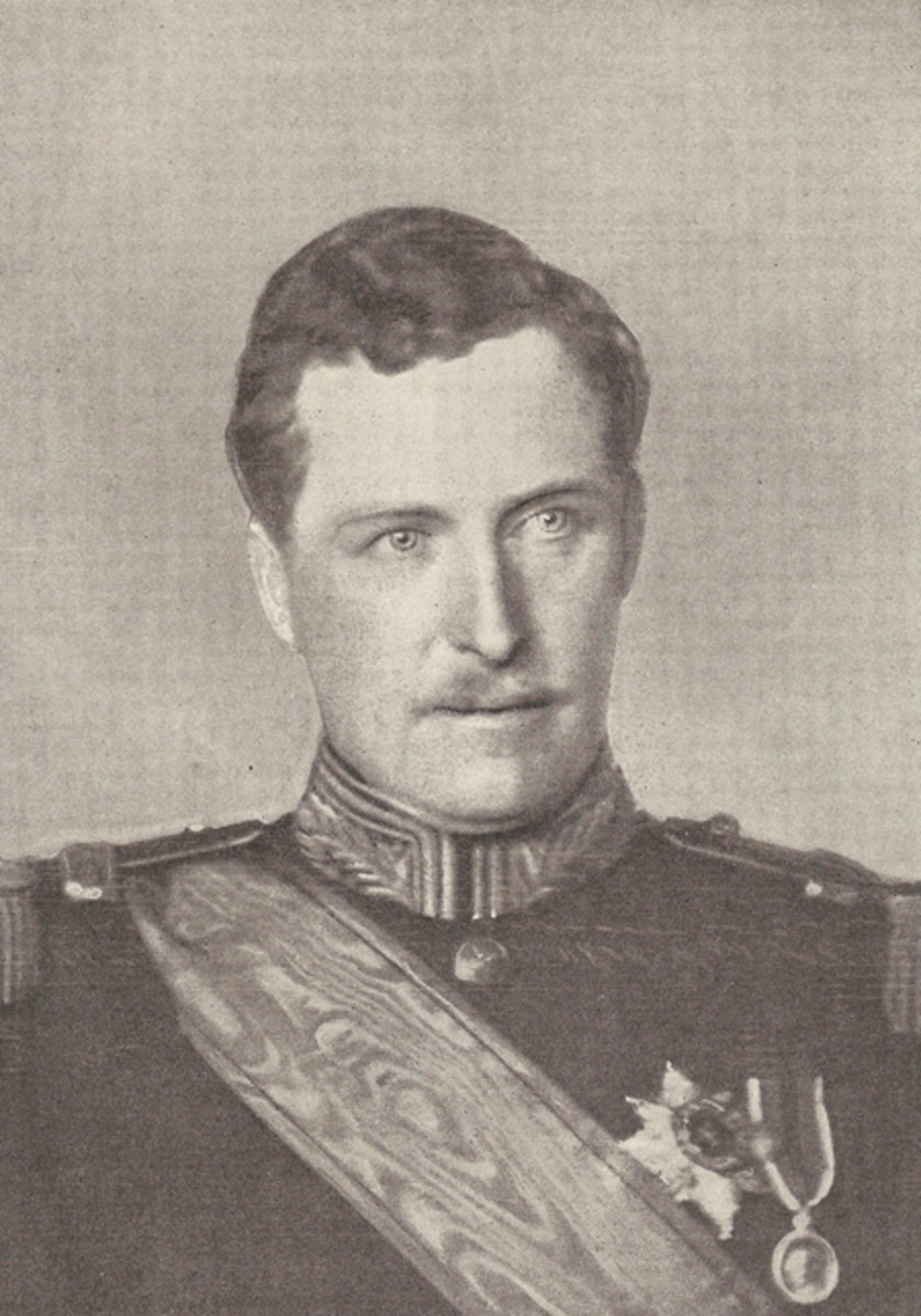 King Albert I of Belgium who instituted the Yser Medal and the decree of 1934 for the replacement Yser Cross was one of his last orders before his death.