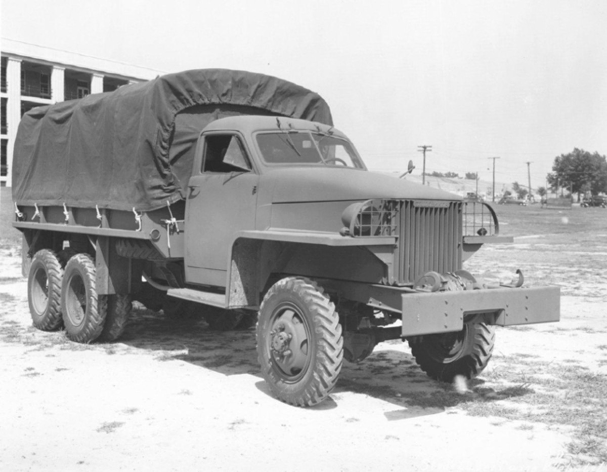"""When equipped with a winch, the short wheelbase model was designated the US6U2 and the longer wheelbase, the US6U4. The """"Studebaker"""" nameplate on the grille was dropped in 1942 per a government order."""