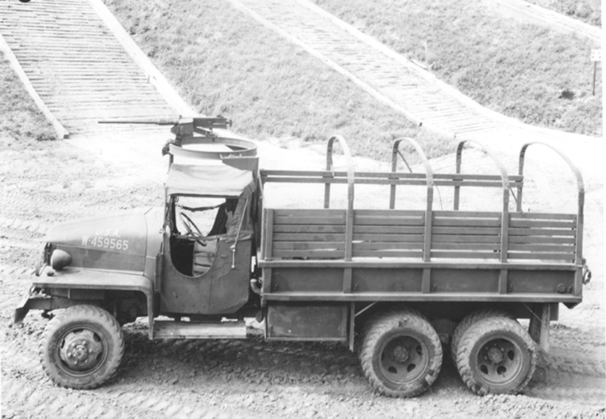 Some of the US6 trucks were built with open cabs as seen here. This cab looks much like the open cab of a CCKW, perhaps leading some to believe that the Studebaker was a copy of the GMC. In fact, the open cab was developed by Studebaker, and then installed on the GMC and most other 6x6s.