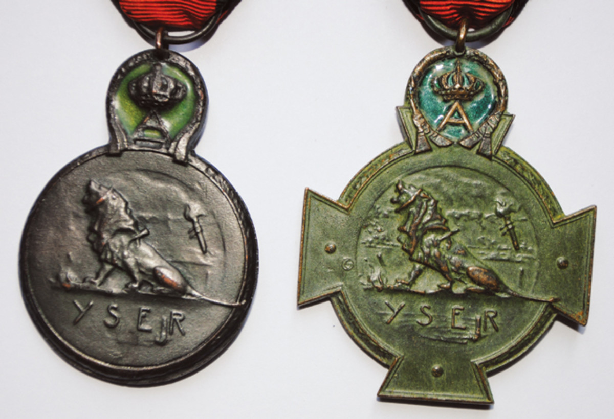 Reverse of the Yser Medal and Yser Cross, again showing the better quality of production on the Cross.