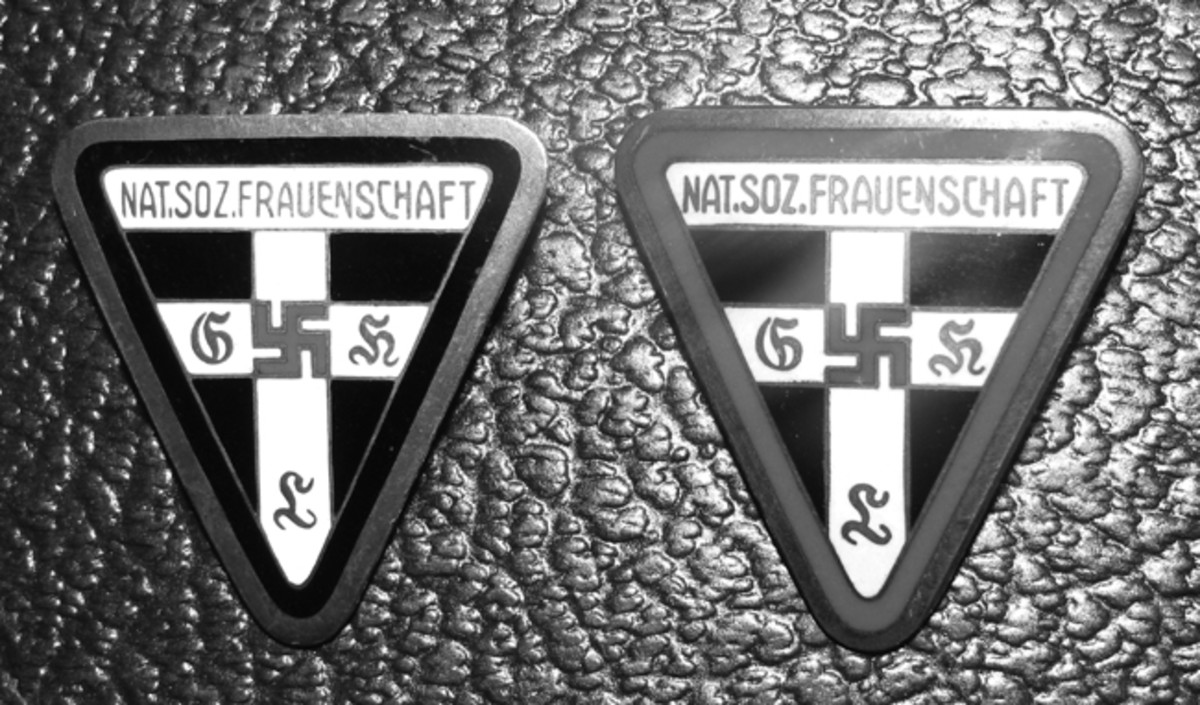 NS-Frauenschaft volunteers wore patches on the work clothing or sports vests.