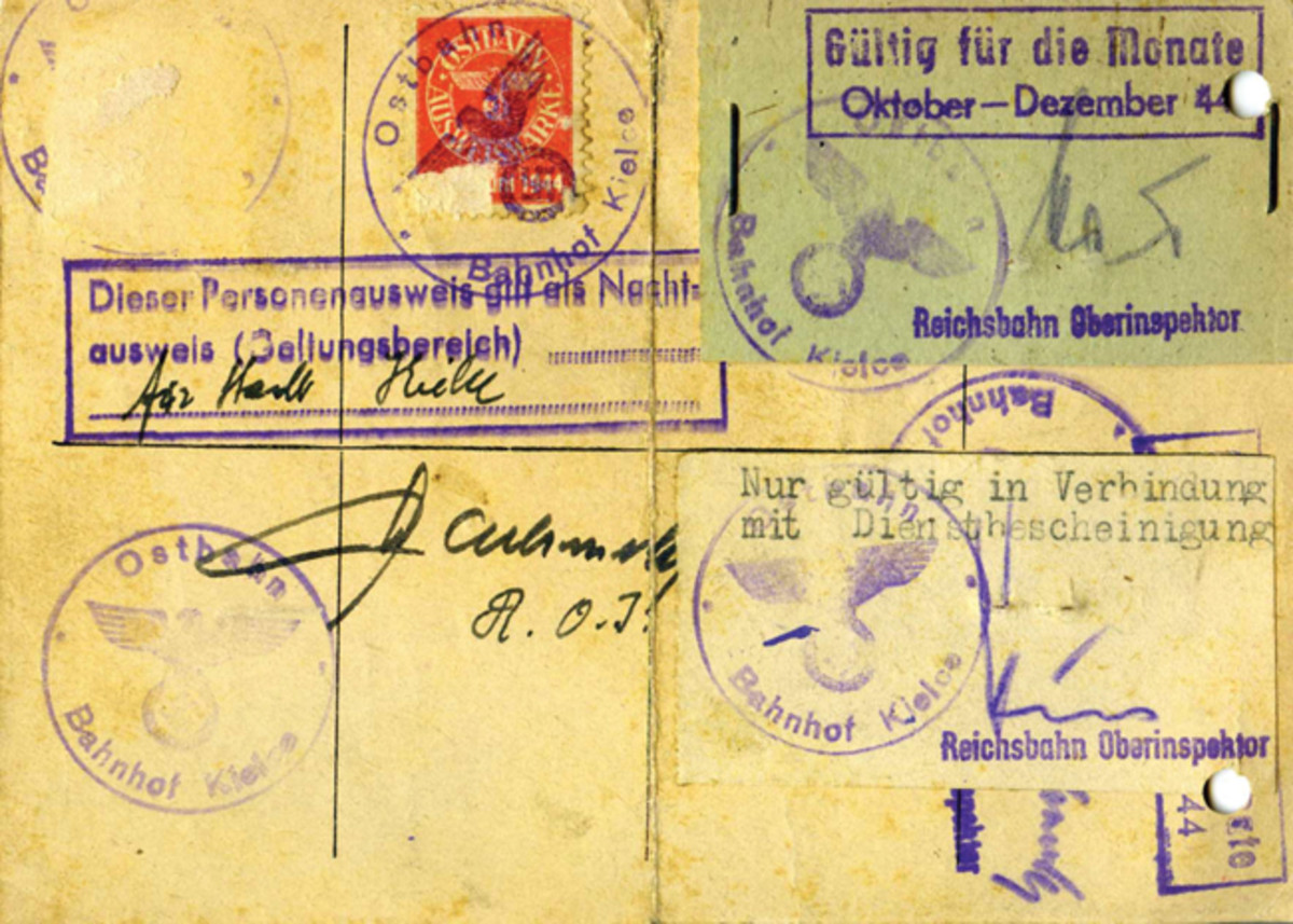 The reverse of this document displays a rather unusual means of validation. The more usual method would be to use an orange stamp pasted at the top center and sealed with an authenticating stamp.