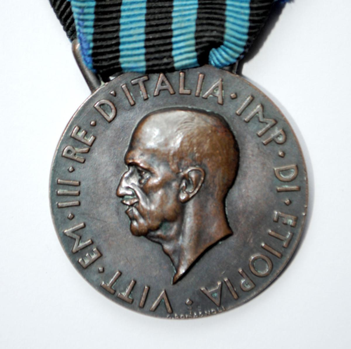 Obverse showing profile of King Victor Emanuele III.