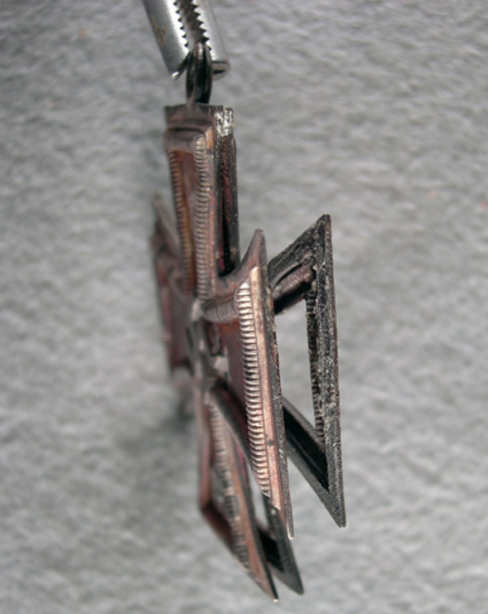 Side view showing detail of split frame