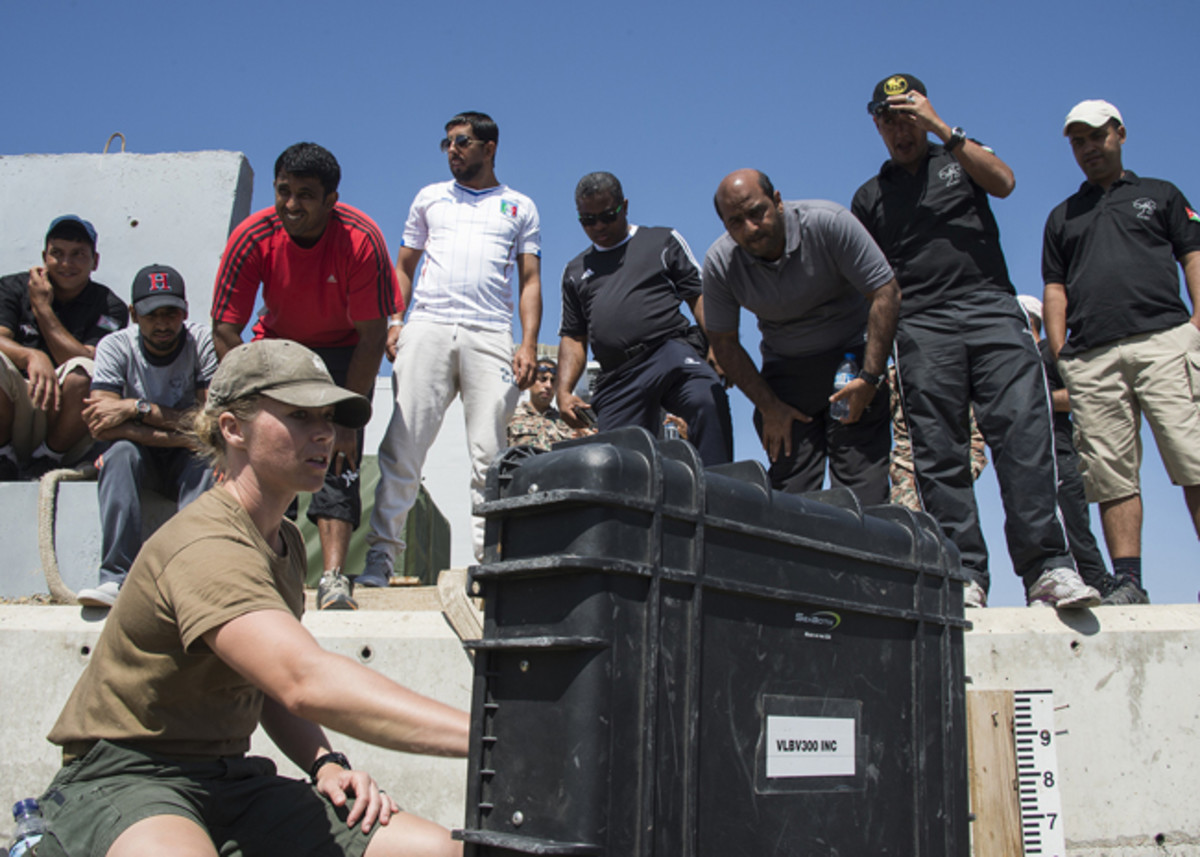 Photo - Navy Office of Community Outreach