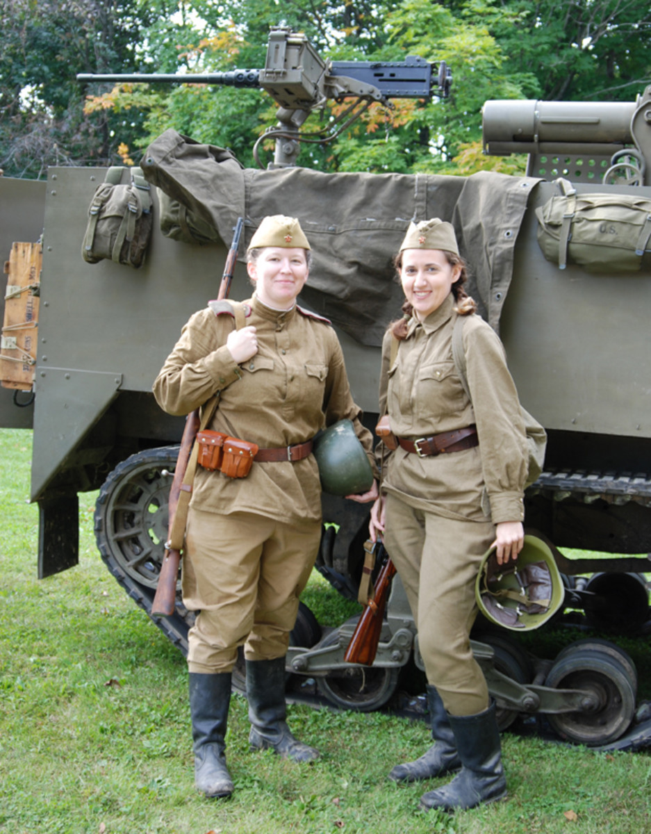 There were many female participants, like these two Soviet infantry soldiers.