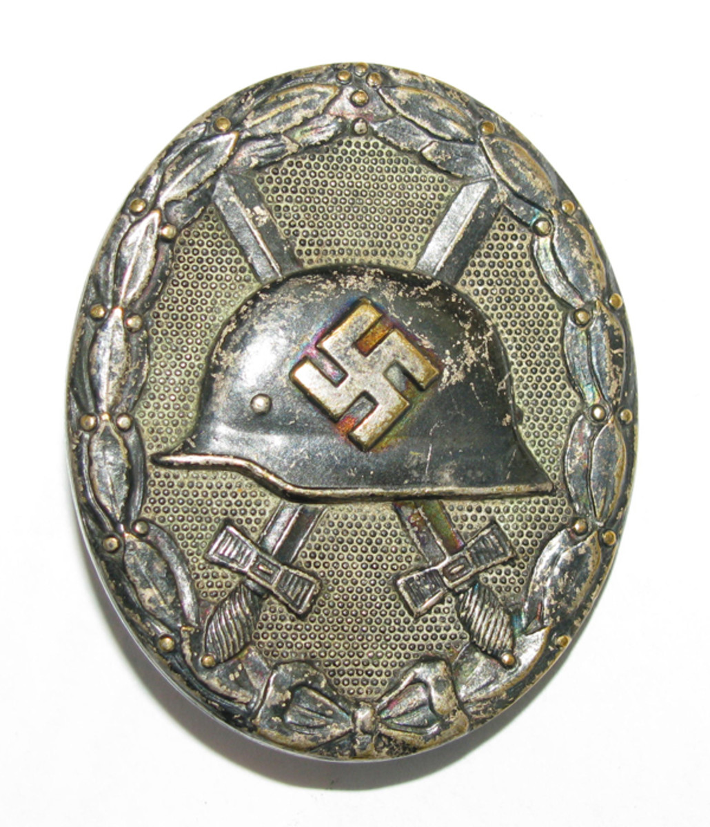 A recipient of a silver or gold wound badge was automatically awarded the Iron Cross 2nd Class.