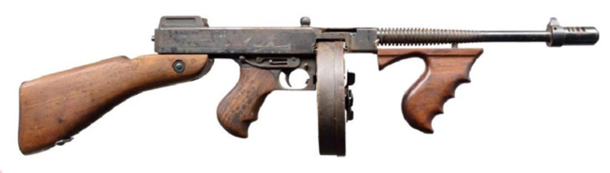 DEWAT AUTO ORDNANCE THOMPSON MODEL 1928 SMG.Sold for $18,000