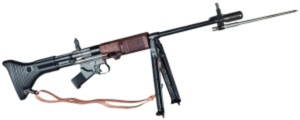 "Original Fallschirmjägergewehr 42, 1st model (FG 42/1), code ""fzs deactivated. Starting bid: 6500 Euros"