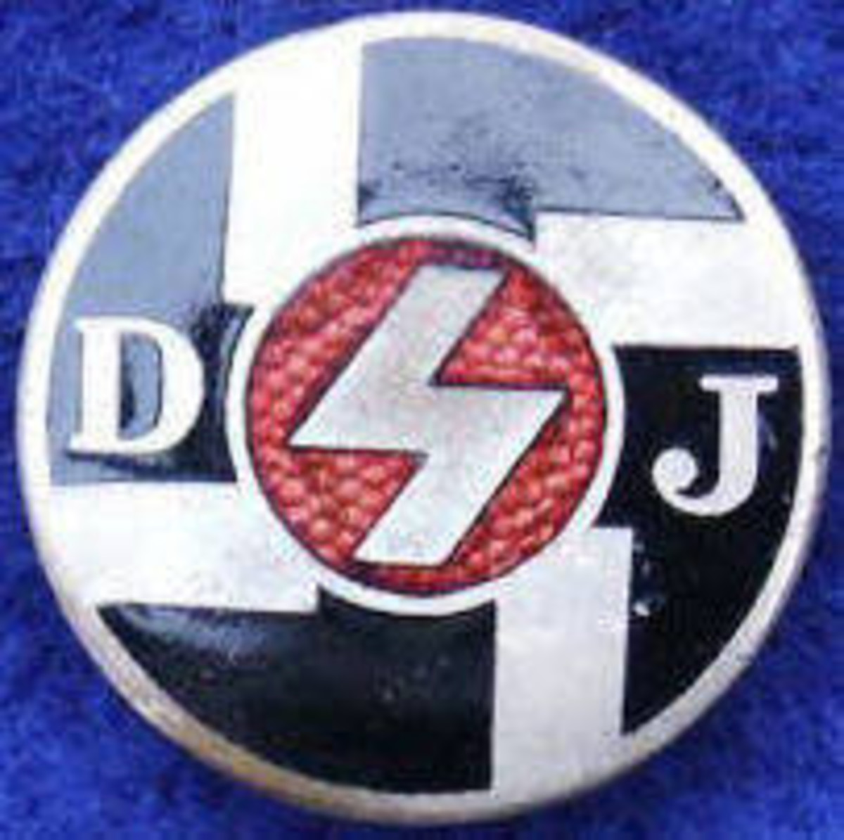 Figure-4 DJ Membership Badge