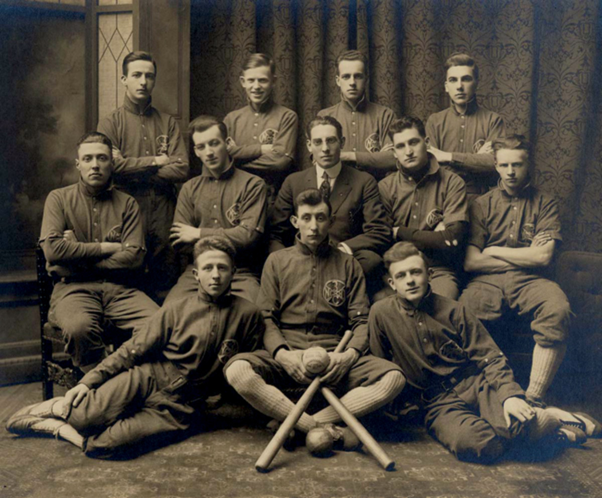 : The baseball team of Company C 3rd Infantry in 1910.