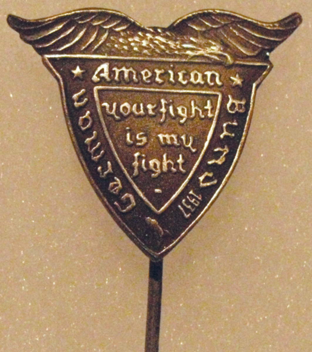 The 1937 Gau Mittelwest pin came in burnished silver on a stickpin base.