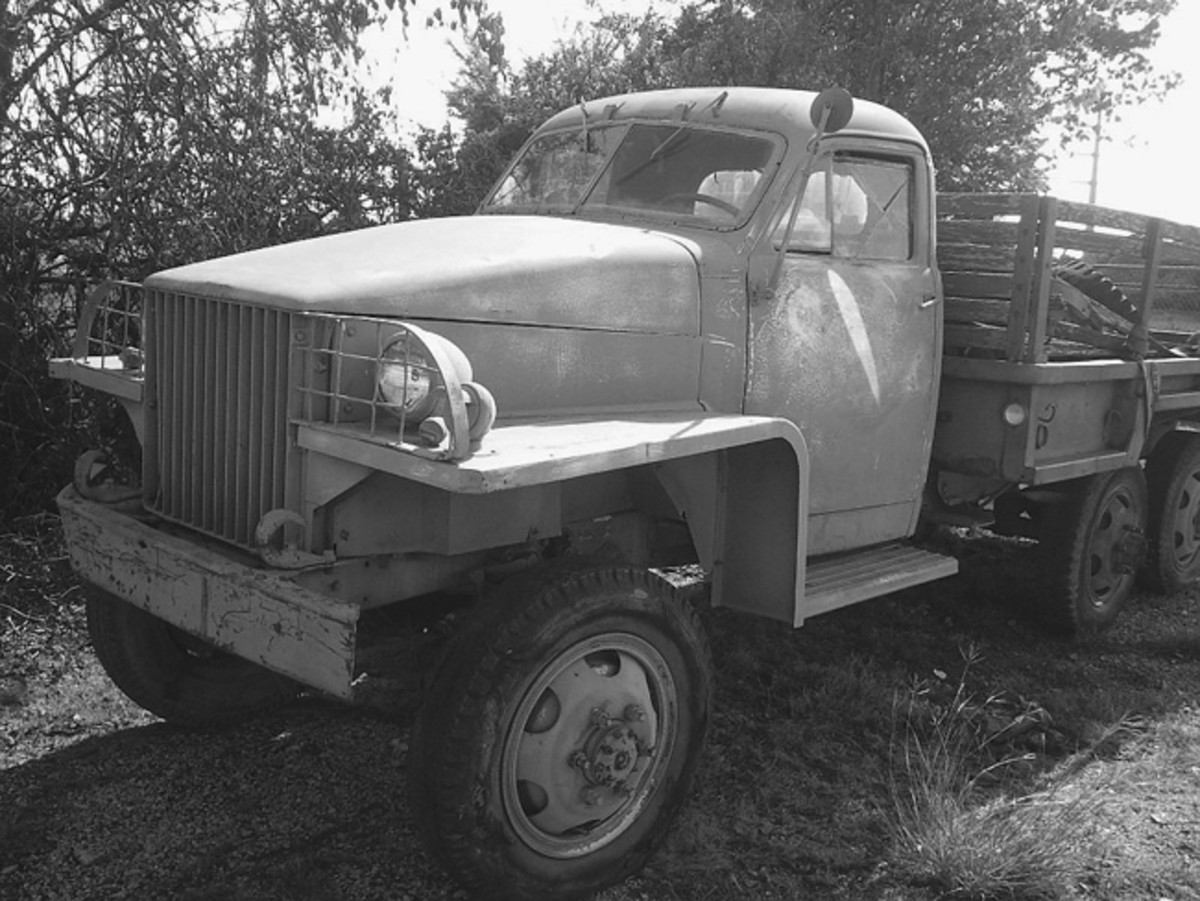 Assuming it's mechanically complete and in working order, this Studebaker US-6 would seem to be drivable with proper preparation.