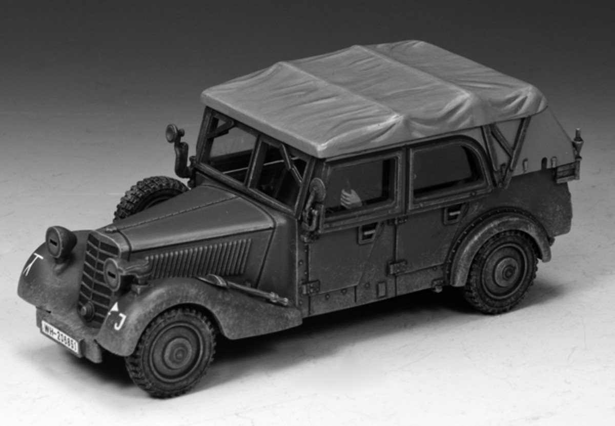Mercedes-Benz 170 V(WS248) features a canvas top with four doors and is painted in the familiar feldgrau of the Wehrmacht.