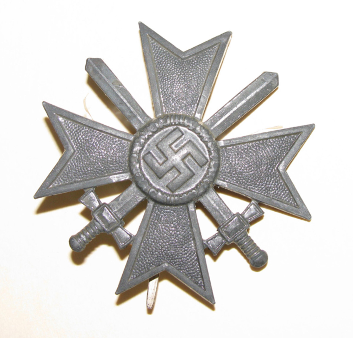 First Class Crosses with swords were produced of polished zinc as the war progressed.