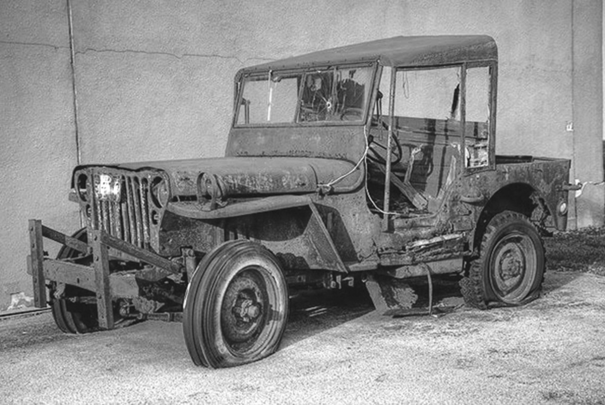 While it's doubtful if this barn find jeep could be made drivable on-site, it's certainly trailerable and might even be towable with better tires and chassis and wheel bearing lubrication.