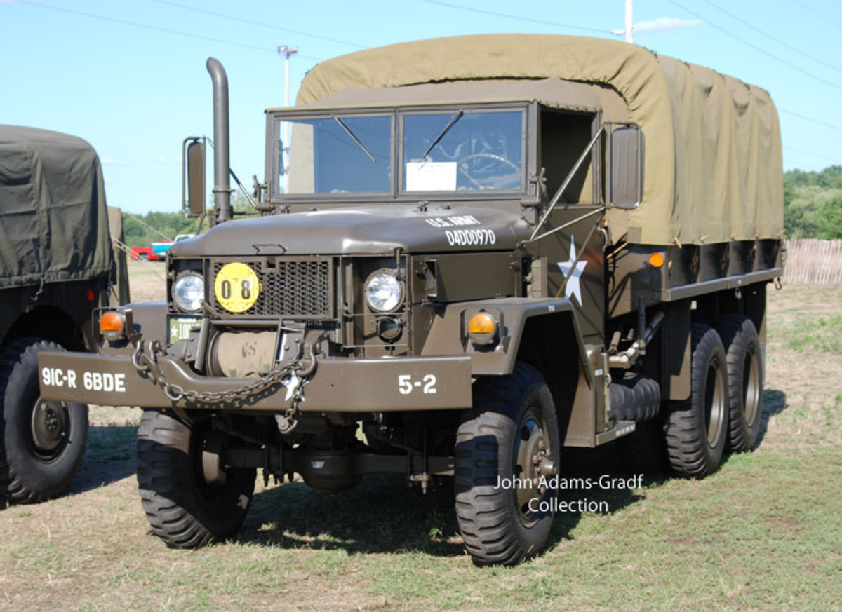 Paul Smaglick's 1970 M35A2 Multifuel made by Kaiser-Jeep.