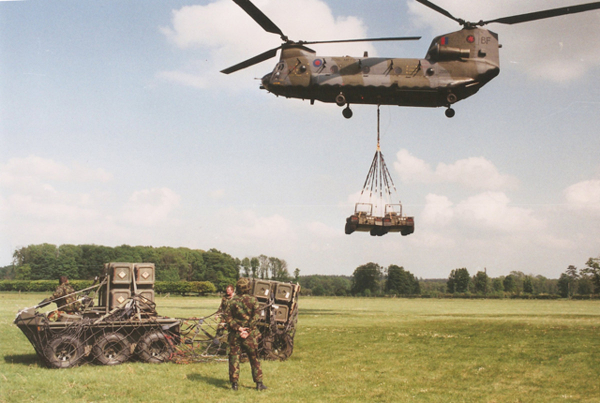 The British Royal Air Force tested the Supacat. Here, a Chinook CH-47 is delivering two vehicles carried as an underslung cargo. The Supacat could be carried internally and unloaded via the rear ramp and once on the ground they were fully operational.