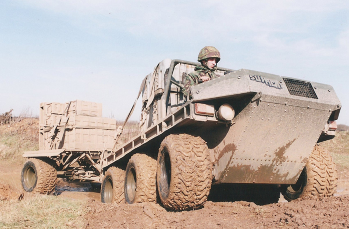 The Supacat had an open cab and the driver could wear night vision goggles to make up for the lack of infrared lights. The extra wide tires distributed the weight to give a very low ground pressure which mad it suitable for roles in desert conditions with sand or in the snow.