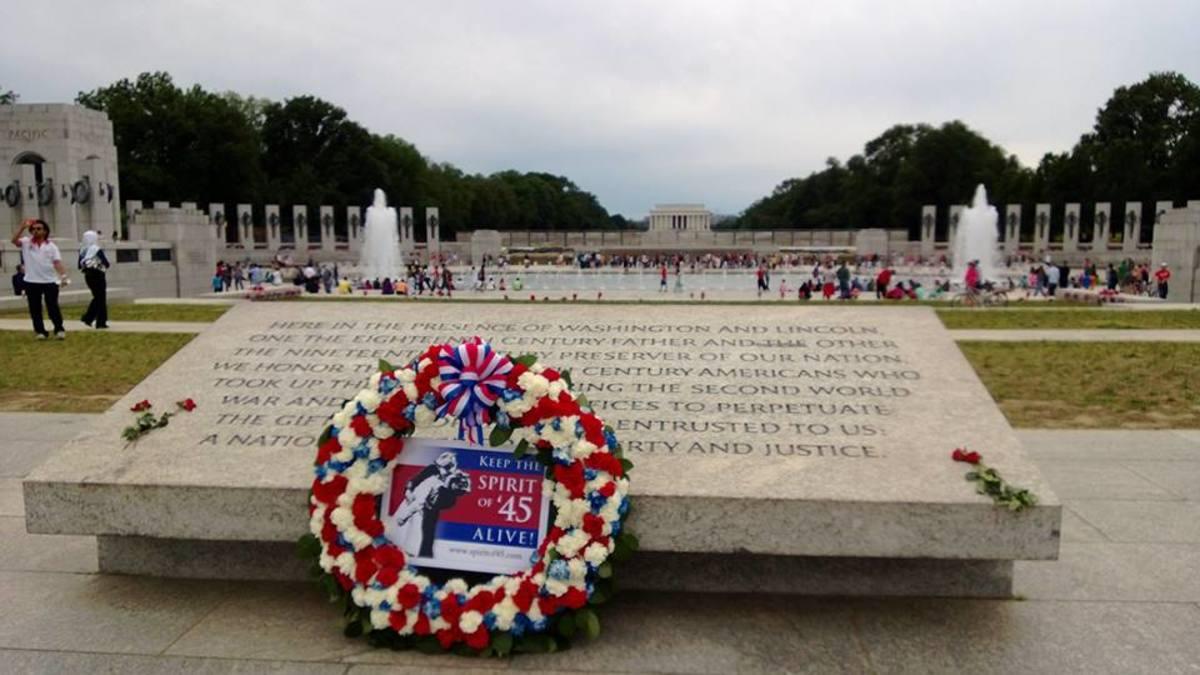 0809-Memorial Day wreath
